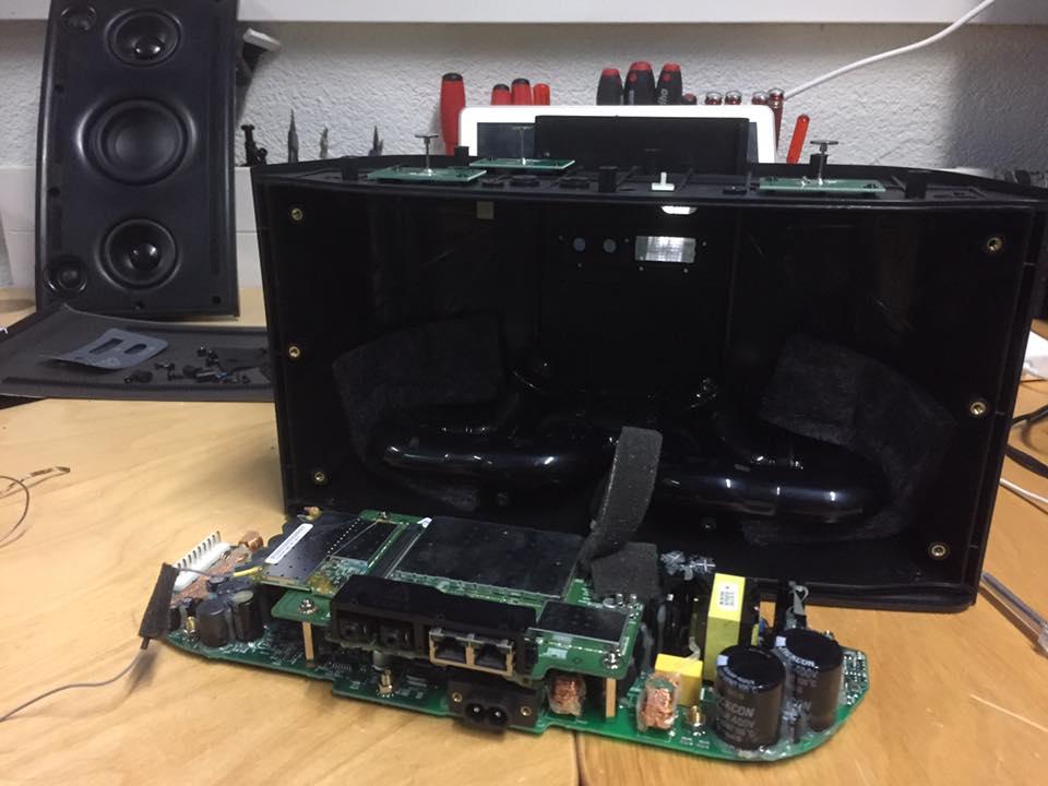 Sonos Play5 schaltet nicht ein, keine LED – Der Reparateur ...