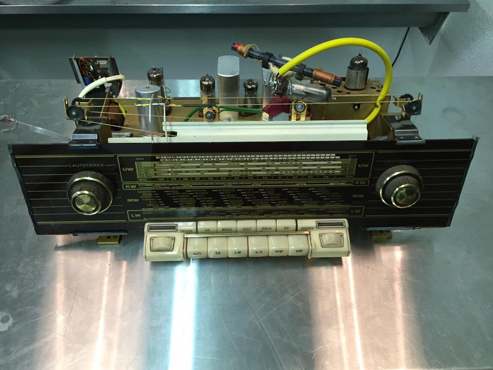 Röhrenradio mit Bluetooth Loewe Opta