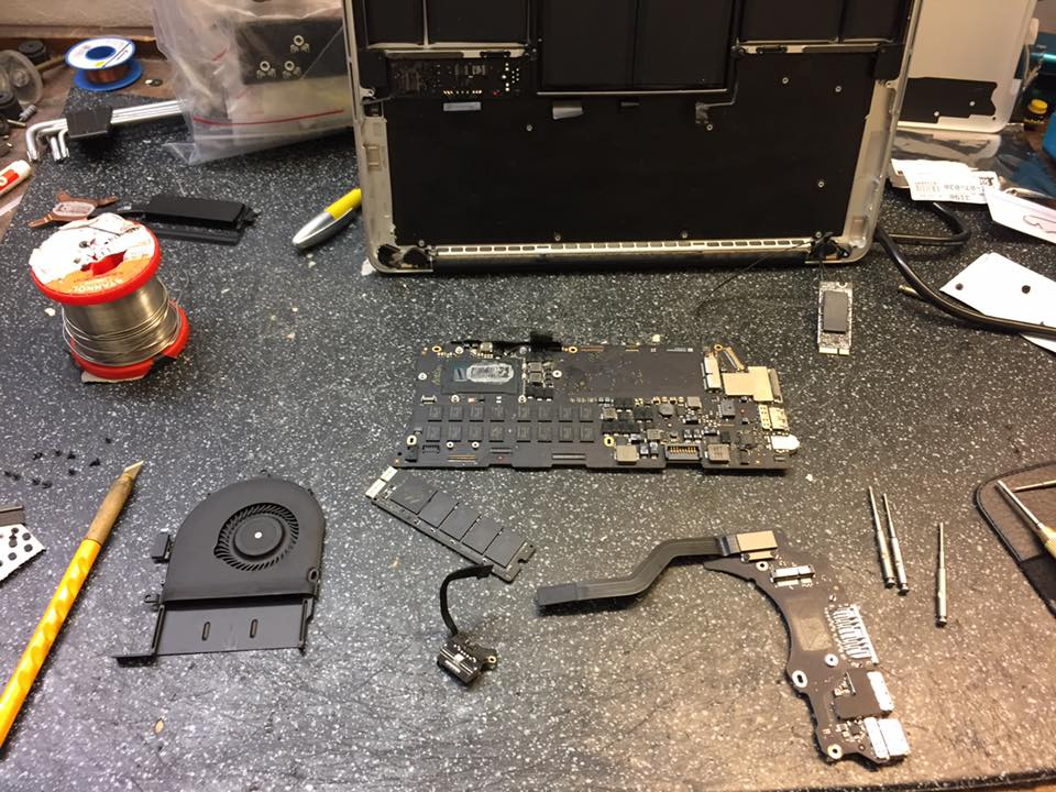 Apple Mac Book Pro Wasserschaden reparatur 1