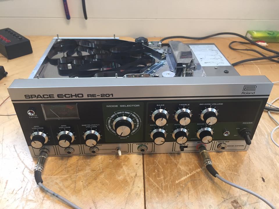 Roland RE-201 Space Echo Reparatur geschwindigkeit schwankt