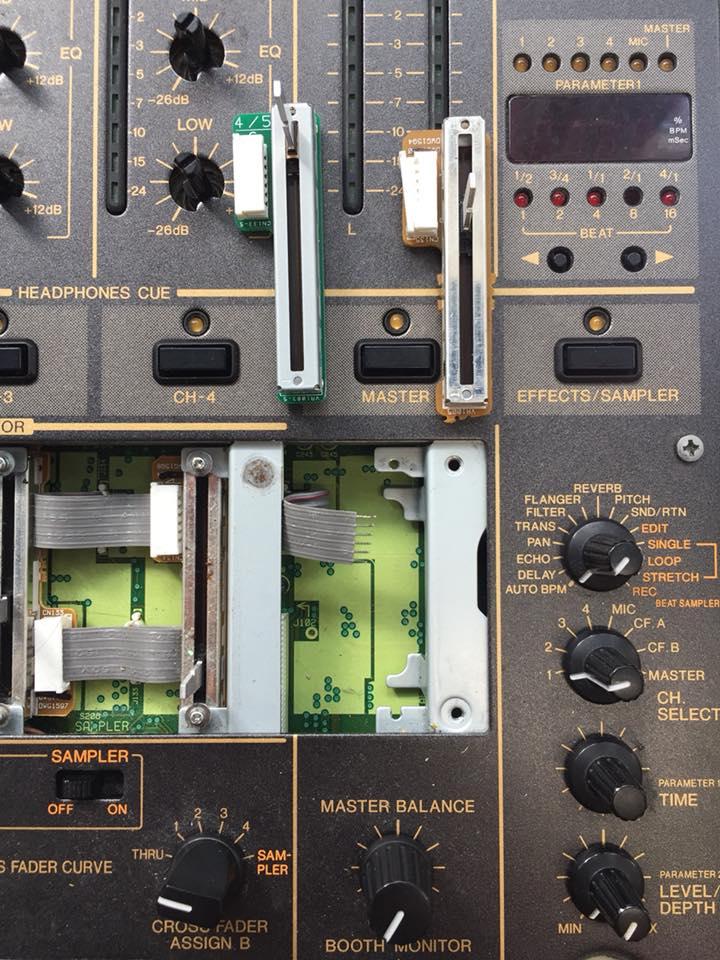 Pioneer DJM-600 Masterfader Tausch