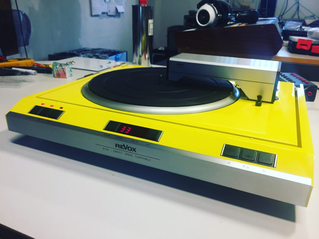 ReVox B791 Turntable reparariert yellow gelb